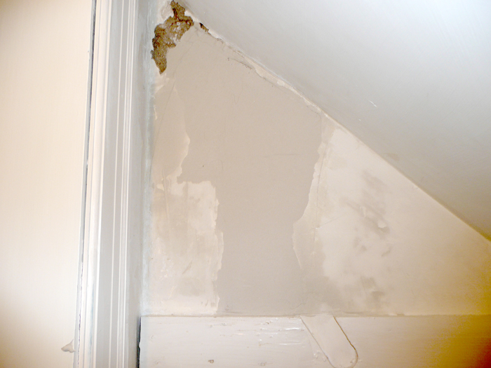 Sealing Drywall Joints : How to repair a crack in drywall with caulk